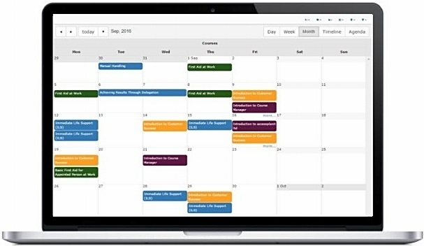 Training and resource calendar in course management system
